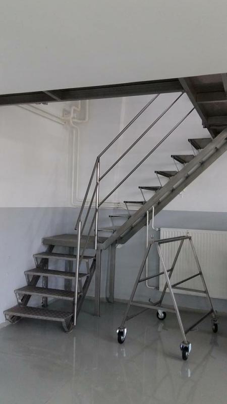 medetažne stopnice